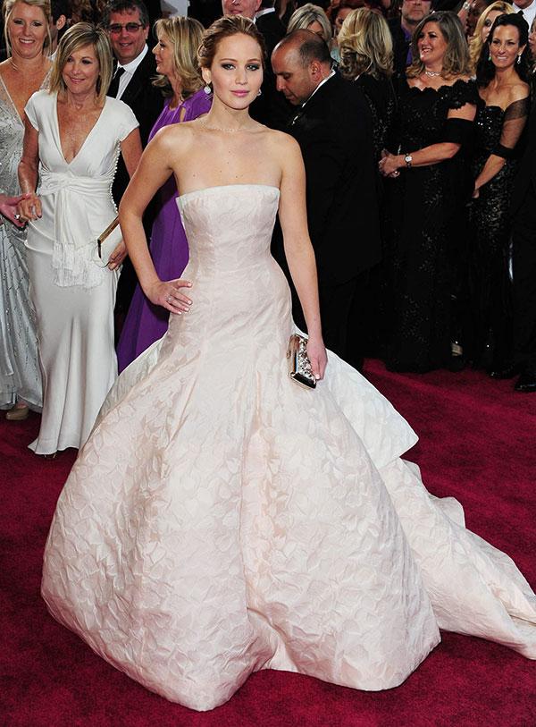 Jennifer-Lawrence_Pumpinbo_oscar-2013_Dior[1]